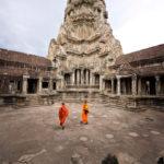 В популярный храмовый комплекс в Камбодже больше не пускают с едой