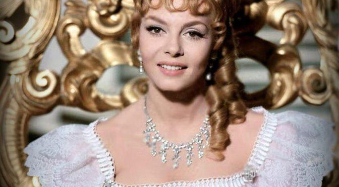 Красотой этой актрисы восхищалась вся страна. Посмотрите, какая она сейчас