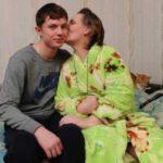 8-летний сын ухаживал за тяжело больной мамой. Через 8 лет случилось нечто