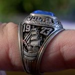 Девушка упустила обручальное кольцо в раковину спустя 47 лет оно вернулось