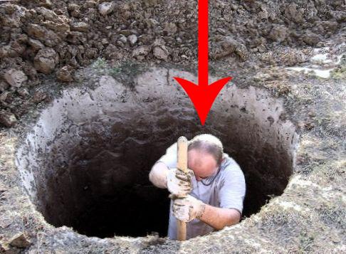 Мужчина поседел, когда рубил скважину на огороде: из земли показалось…
