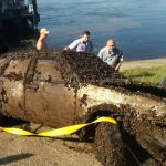 Со дна Волги водолазы достали машину: отрыв её, люди закричали от страха