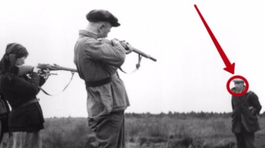 Фото 64 года держали под запретом. Что сделал русский за миг до расстрела